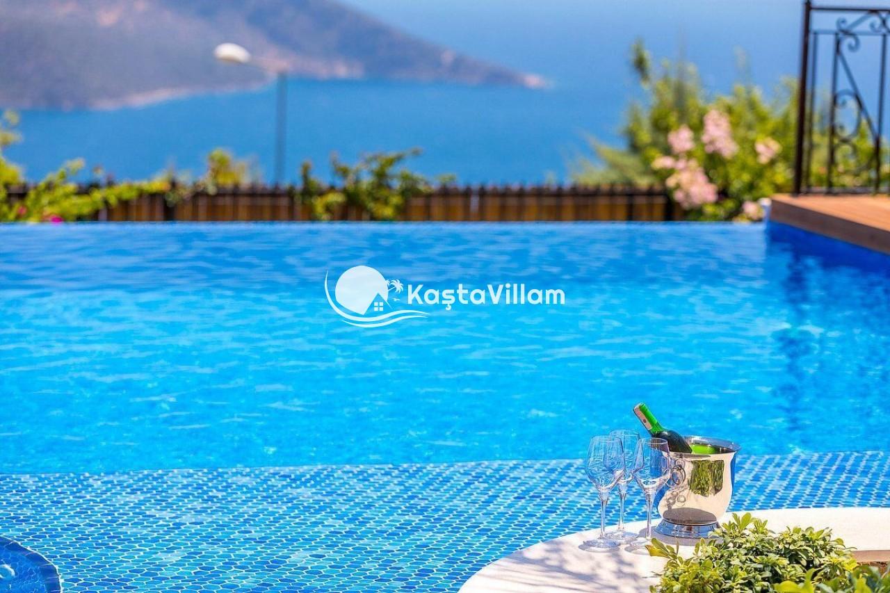 VİLLA OTANTİK Özel havuzlu villa - Kaştavillam